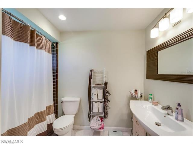 330 Country Club DR, Naples, FL 34110