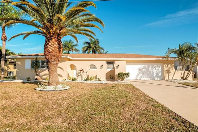 1305 SE 40th TER  Cape Coral FL 33904 is listed for sale as MLS Listing 218051616